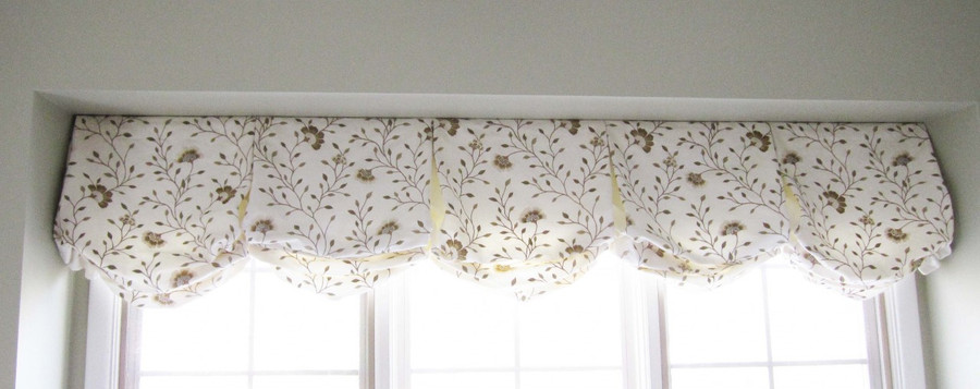 Balloon Valance in Robert Allen Spring Fancy-Grain