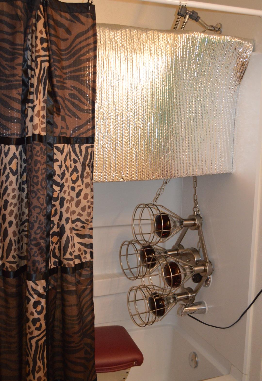 Sauna lamp chains in shower