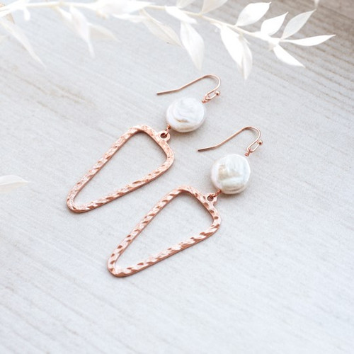 Annabel Earrings-rose gold/white pearl