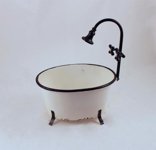 Large Metal White Bathtub w\Faucet Planter