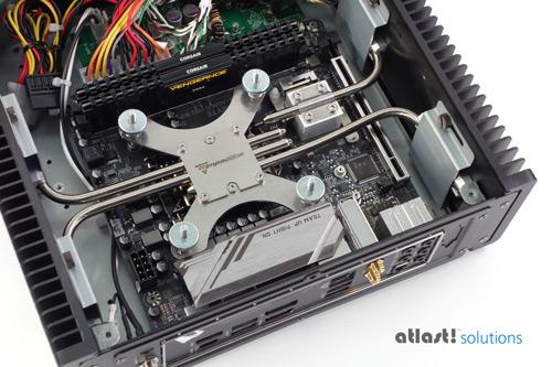 LOOKING INSIDE AORUS Z390 FANLESS PC