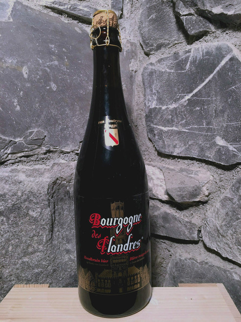 Bourgogne des Flandres is a blend of a dark, top-fermented beer and a lambic. The aroma is malty and slightly roasted. This beer tastes slightly sweet and sour, with a moderately bitter finish of roast malt.