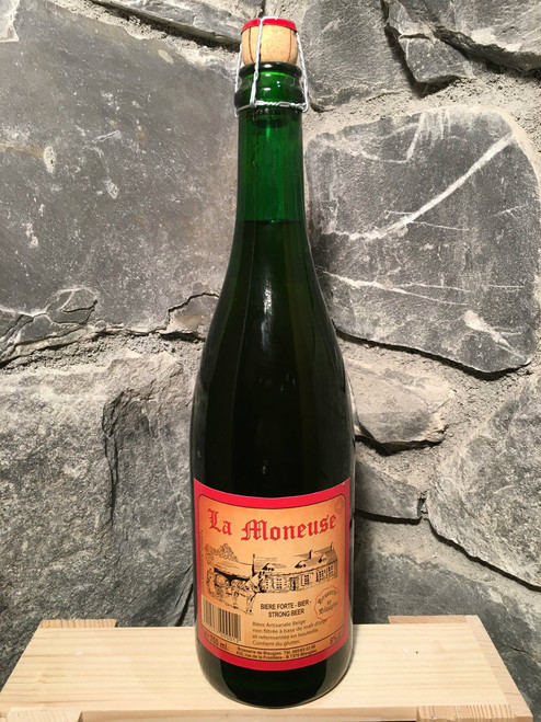 La Moneuse is a Saisons farmhouse ale that was traditionally brewed in the winter, to be consumed throughout the summer months.