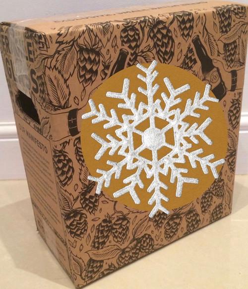 Die Winterbierverkostungsbox 6 x 75cl enthält 6 verschiedene Premium-Handwerksbiere in 75 cl zum Trinken im Winter, mit Käsefondue, mit Wintergerichten und am offenen Feuer.