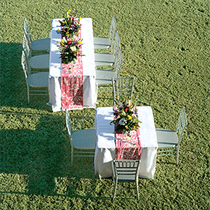 outdoor-wedding-fitted-table-cover.jpg