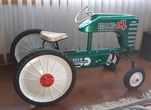 amf-big-4-tractor.jpg