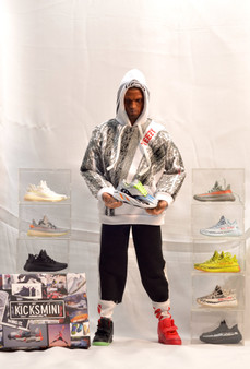 Hypebeast Designer Scales 1/6 Action Figure 1/6 Scales Ratio - YZY Kanye West