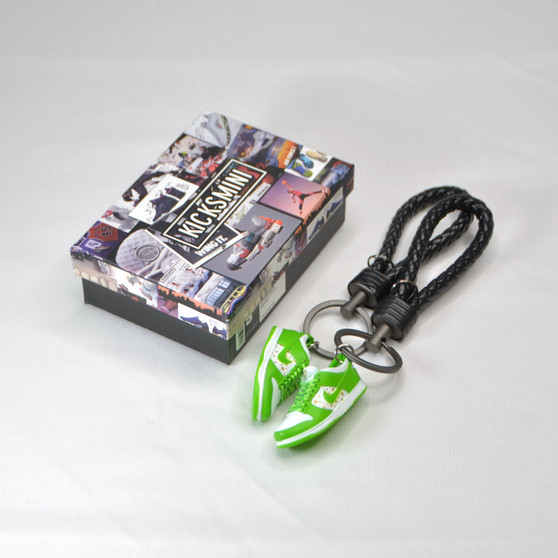 """SB Dunk Low """"SUP Stars Mean Green"""" 3D Sneaker Keychain"""
