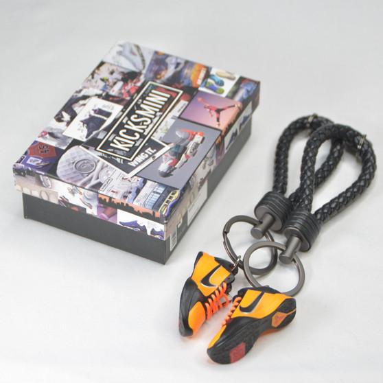"""Kobe 5 """"Bruce Lee"""" 3D Sneaker Keychain"""