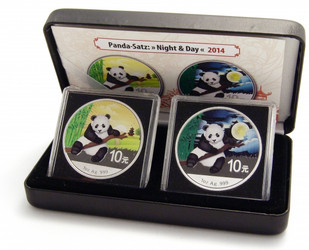 2x 1 oz. Silver Color Panda Day-Night 10 Y China 2014