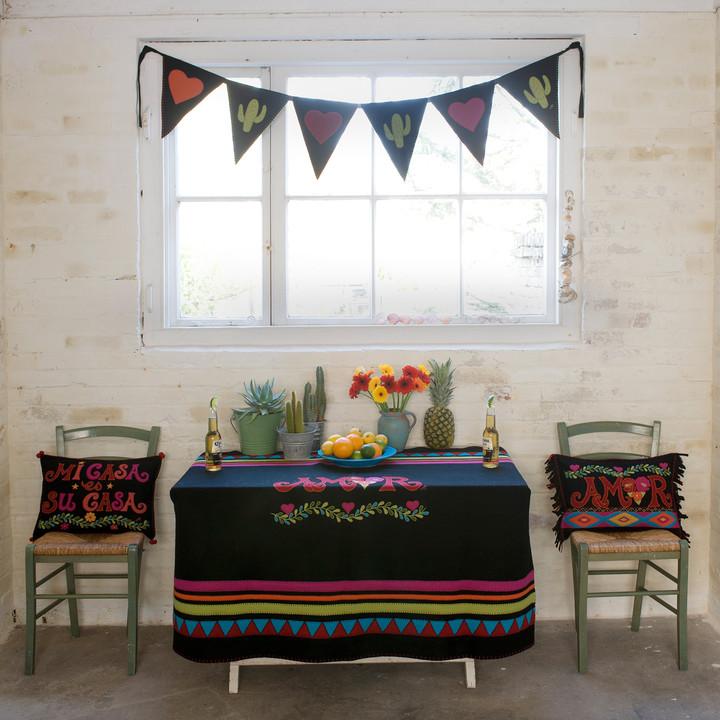 Fiesta Amor Cushion (Black)