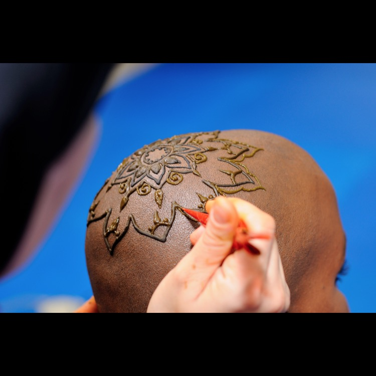 Henna Crowns for bald and beautiful women