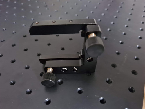Kinematic mount for rectangular optics