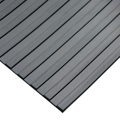 Corner of Corrugated Wide Rib Rubber Runner Mat