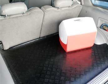 Diamond Grip fit to trunk with a cooler on top