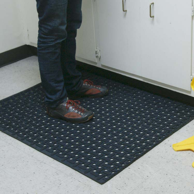 Black Paw Grip Grease-Resistant Rubber Runner Mats in kitchen