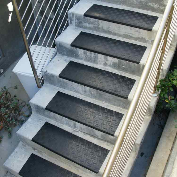 black Diamond-Grip Rubber Stair Tread outside stairway