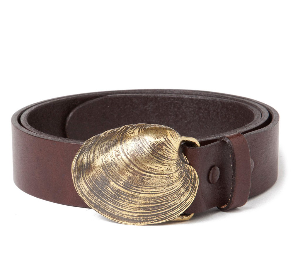 Quahog Shell Buckle with Brown Leather Belt