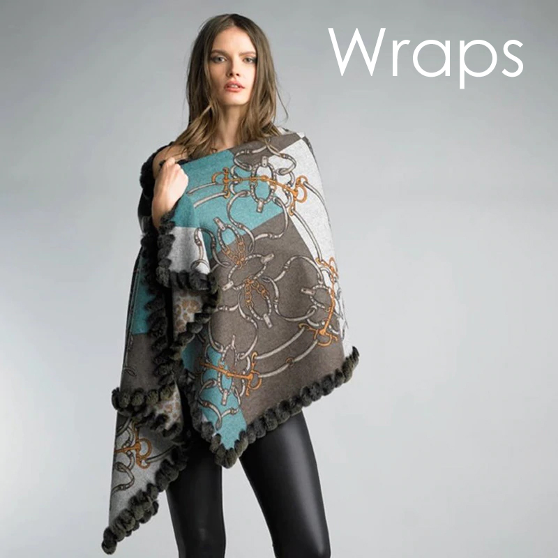 Snaffle Wool Shawl | Model