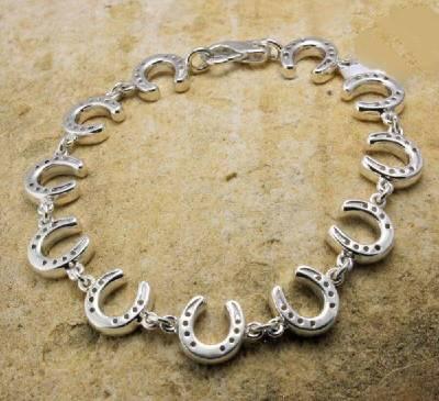br833-horshoe-bracelet-silv-39099.1447535546.1280.1280-1-37492.1595362384-1-1-.jpg