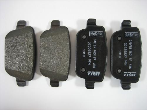LR2 Rear Brake Pads - LR023888