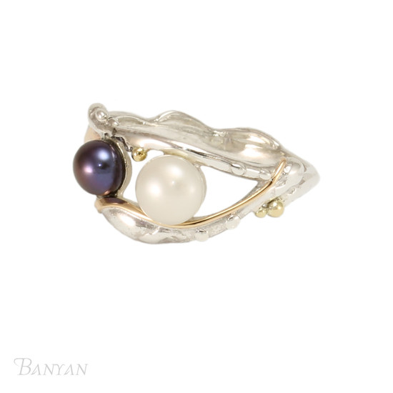 Black and white pearl silver ring