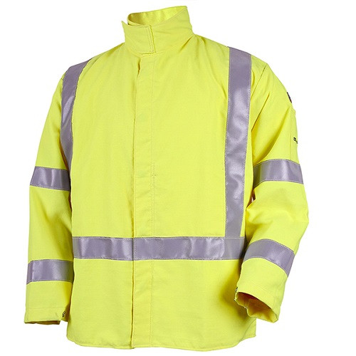 The TruGuard™ 600 is more than 65% lighter than an equivalently sized split leather welding jacket