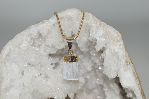 Sm Selenite Crystal Pendant with Necklace GP