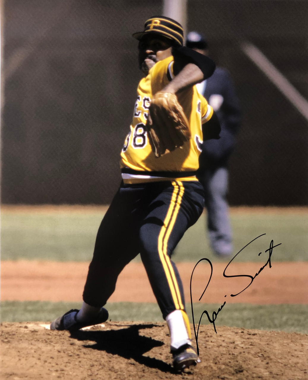 Louis Tiant Pittsburgh Pirates 16-1 16x20 Autographed Photo - Certified Authentic