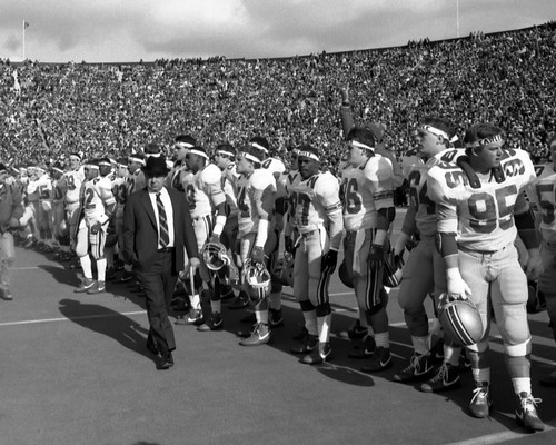 Earle Bruce Ohio State Buckeyes Licensed Unsigned Photo (4)