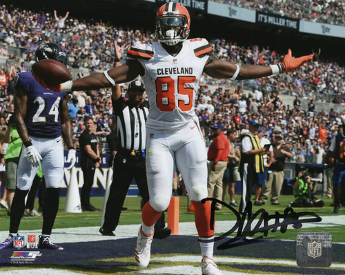 David Njoku Cleveland Browns 16-1 16x20 Autographed Photo - Certified Authentic