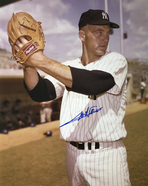 Stan Williams New York Yankees 16-1 16x20 Autographed Photo - Certified Authentic
