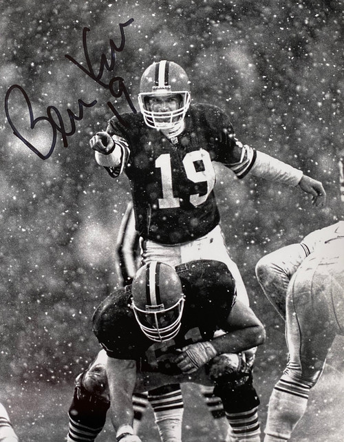 Bernie Kosar Cleveland Browns 11-1 11x14 Autographed Photo - Certified Authentic