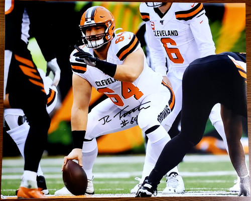 JC Tretter Cleveland Browns 16-1 16x20 Autographed Photo - Certified Authentic