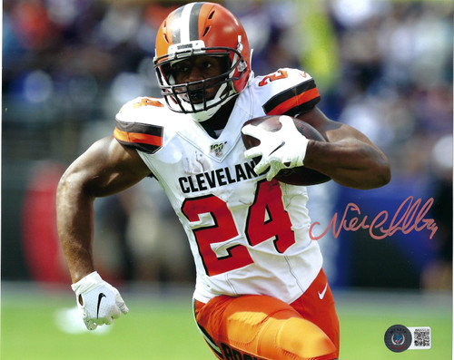 Nick Chubb Cleveland Browns 8-4 8x10 Autographed Photo - Beckett Authentic