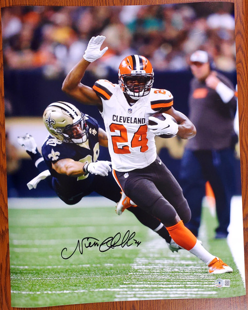 Nick Chubb Cleveland Browns 16-4 16x20 Autographed Photo - Beckett Authentic