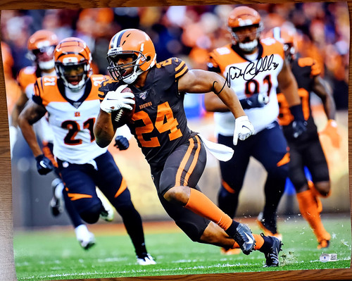 Nick Chubb Cleveland Browns 16-5 16x20 Autographed Photo - Beckett Authentic