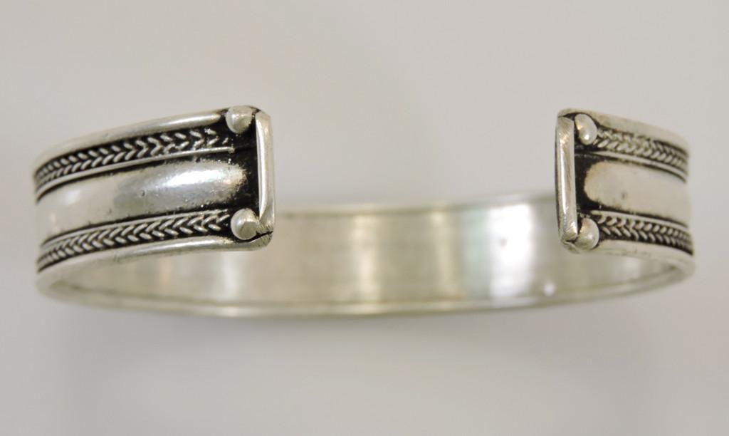 Handmade Tibetan Three Metal Healing Mantra Yoga Bracelet (3 Color White)