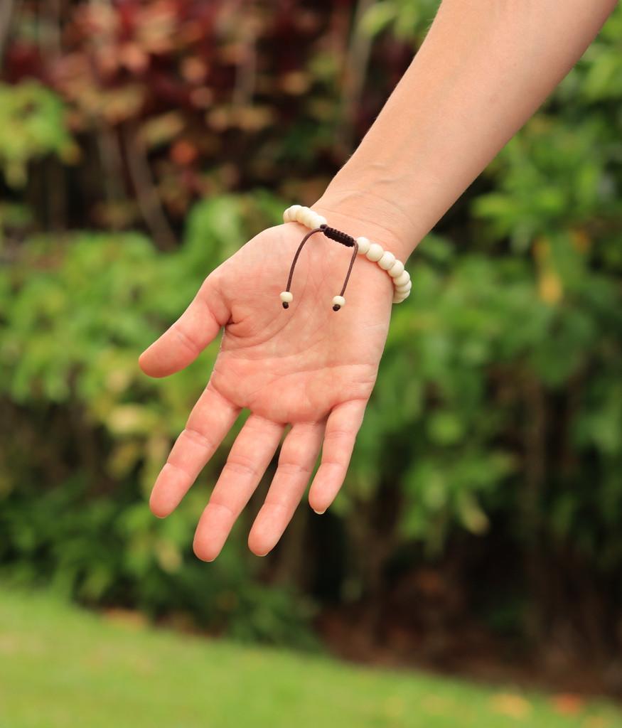 Tibetan Mala Yak Bone Wrist Mala Bracelet for Meditation (Lapis)