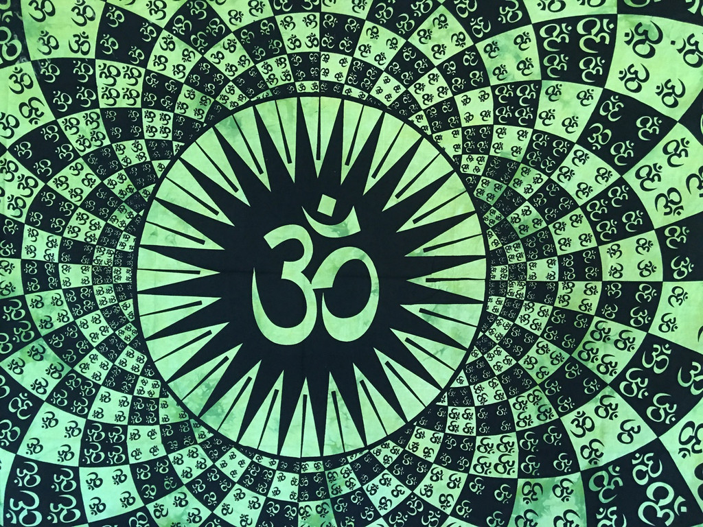 Bursting OM Tapestry- Green