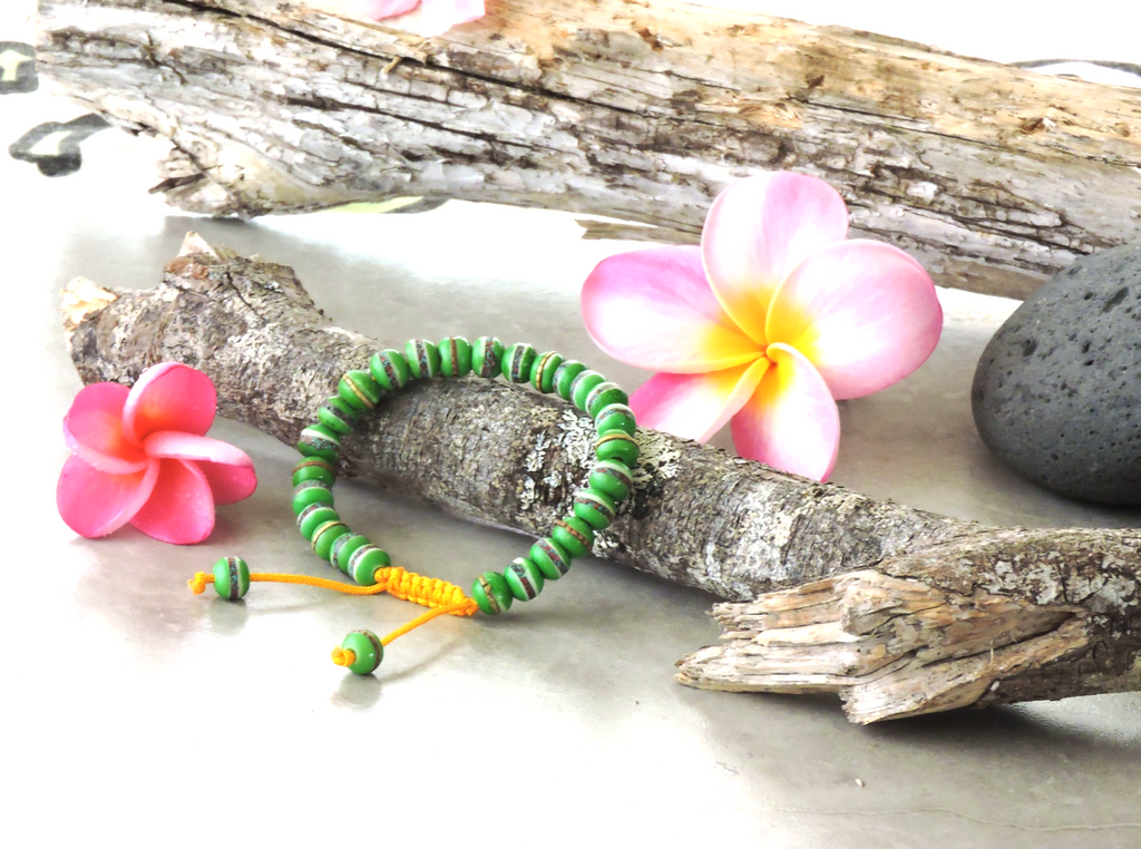 Tibetan Embedded Yak Bone Medicine Healing Wrist Mala for Meditation - Green