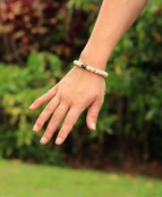 Tibetan Mala Yak Bone Wrist Mala Bracelet for Meditation (Dzi bead)