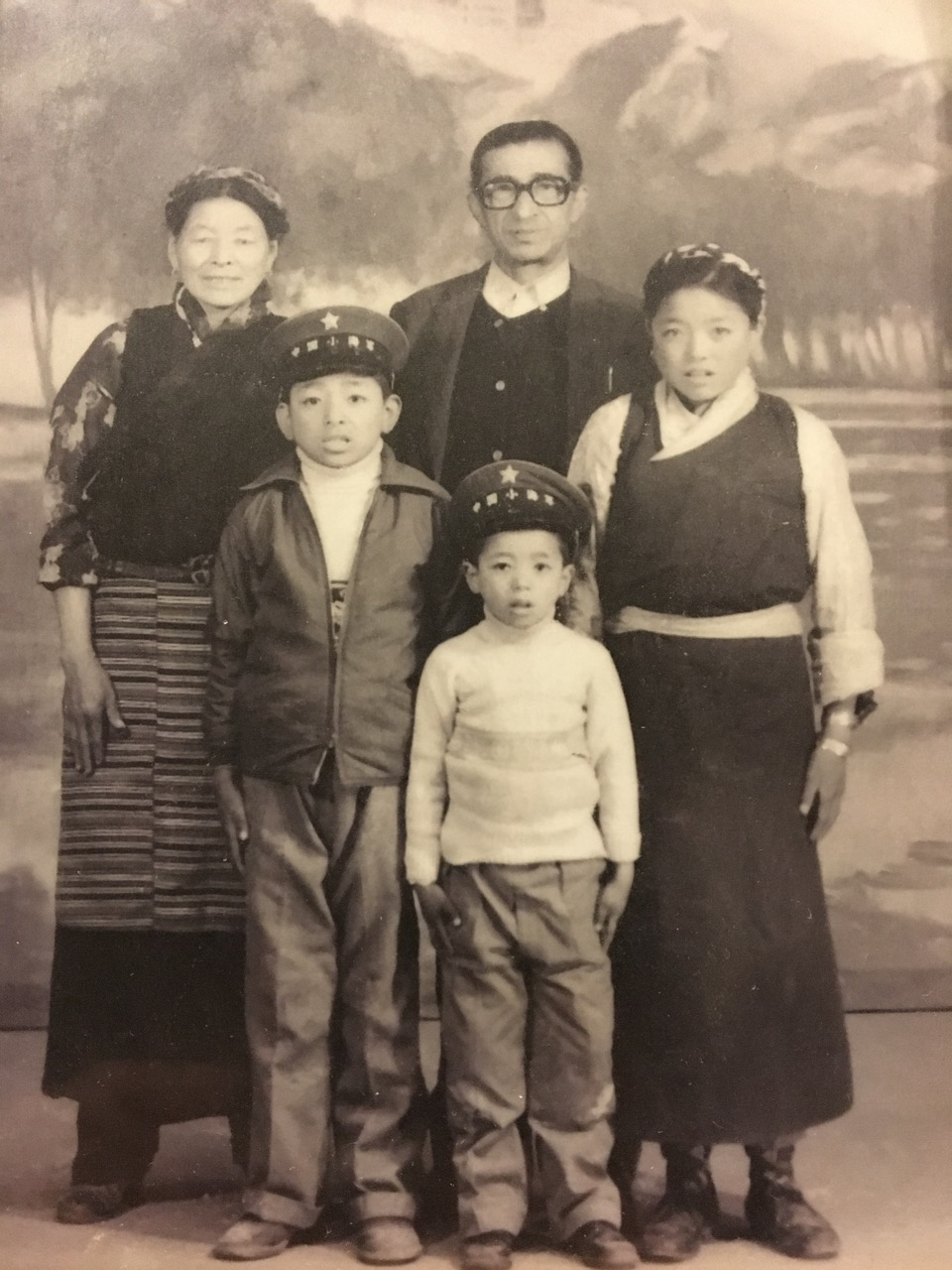 old-picture-tenzin-and-family.jpg