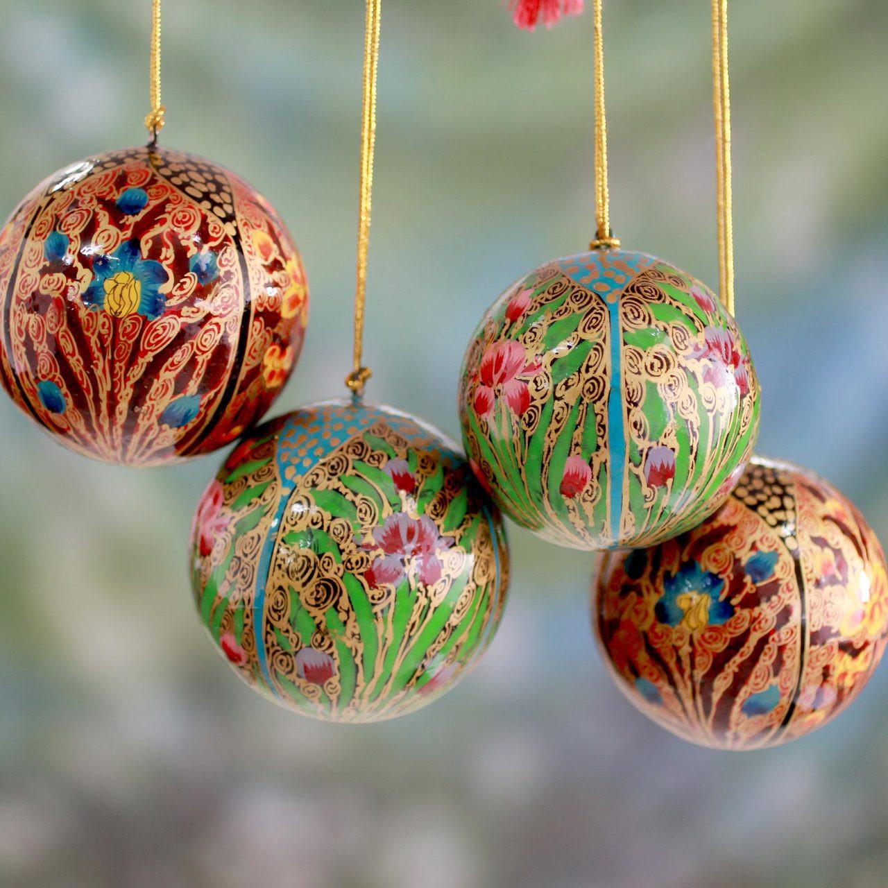 Ornaments Christmas.Set Of 4 Handmade Papier Mache Christmas Ornaments Christmas Blossoms