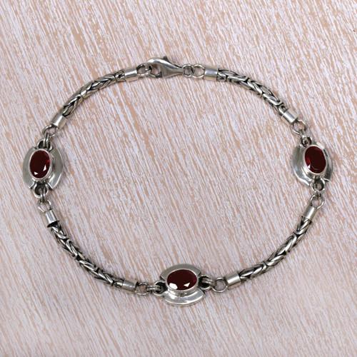 Garnet charm bracelet 'Triple Passion'