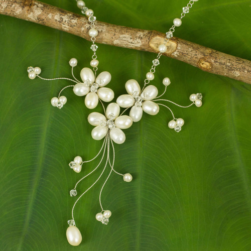 Handcrafted Floral Pearl Necklace 'Bouquet of Pearls'