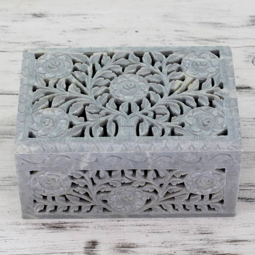 Jali Soapstone Jewelry Box 'White Roses'