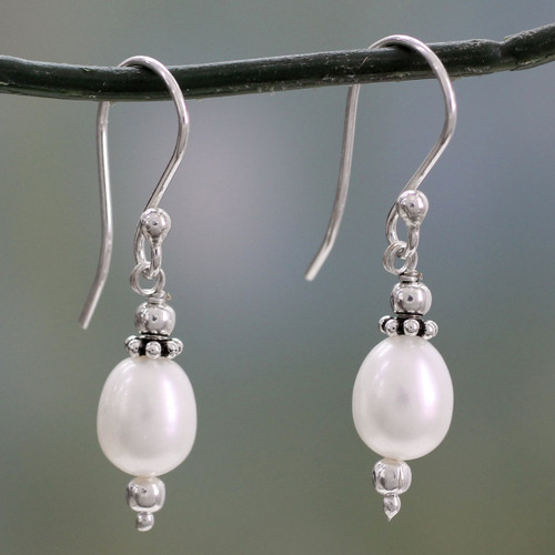 Cultured pearl dangle earrings 'Destiny'