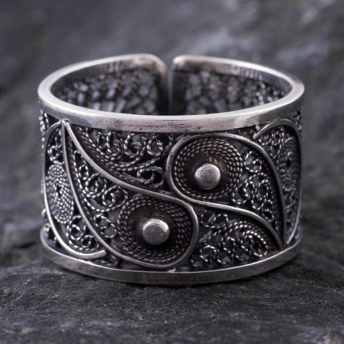 Handcrafted Oxidized Silver Filigree Ring 'Yin and Yang'