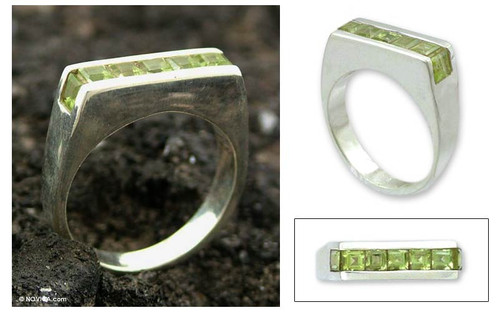 Peridot cocktail ring 'Sparkling Green'